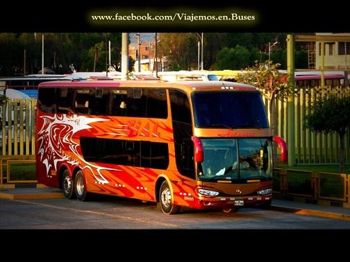 Bus de EXPRESO CIAL en terminal terrestre de AREQUIPA