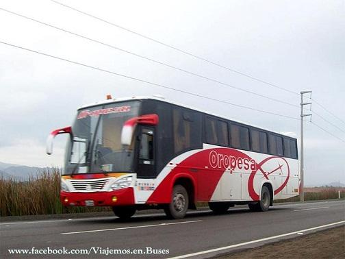 Bus de la empresa Oropesa rumbo a Huancavelica