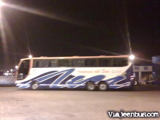 pucusana un bus de la empresa america del sur con destino a marcona
